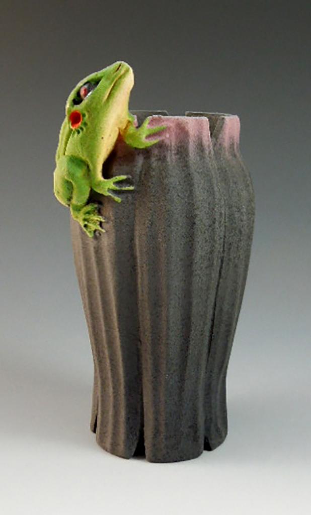 Nancy Adams Pottery Frog Vase Scrimshaw Gallery